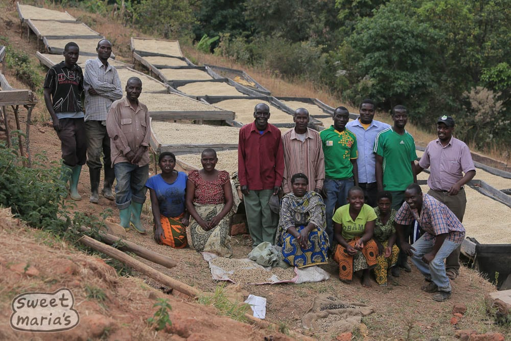 Farmers and workers at the Isende group, Mbeya