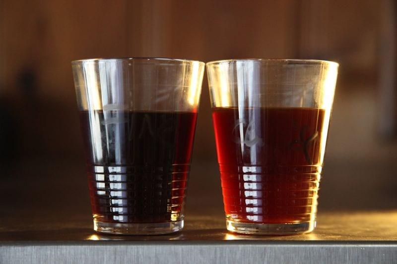 Clever Coffee Dripper backlit - coarse grind versus fine